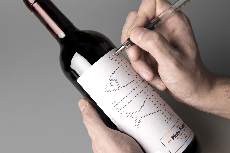 Vino Pinto Punto by Barceló estudio - Creative Work - $i