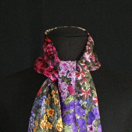 Flores Bilbao silk scarf
