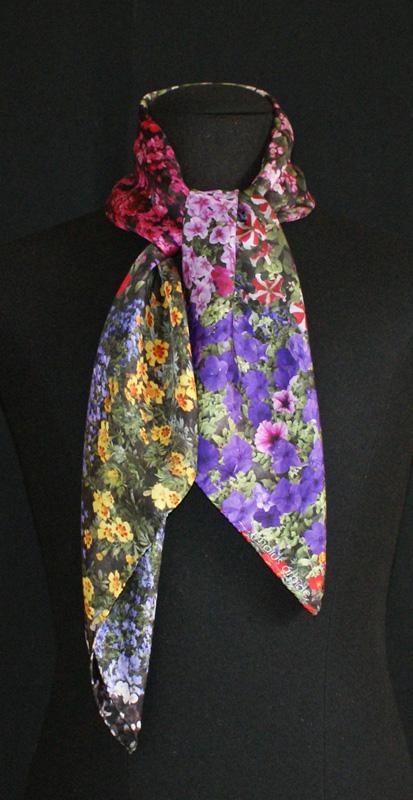 Flores Bilbao silk scarf by Malús Arbide - Creative Work