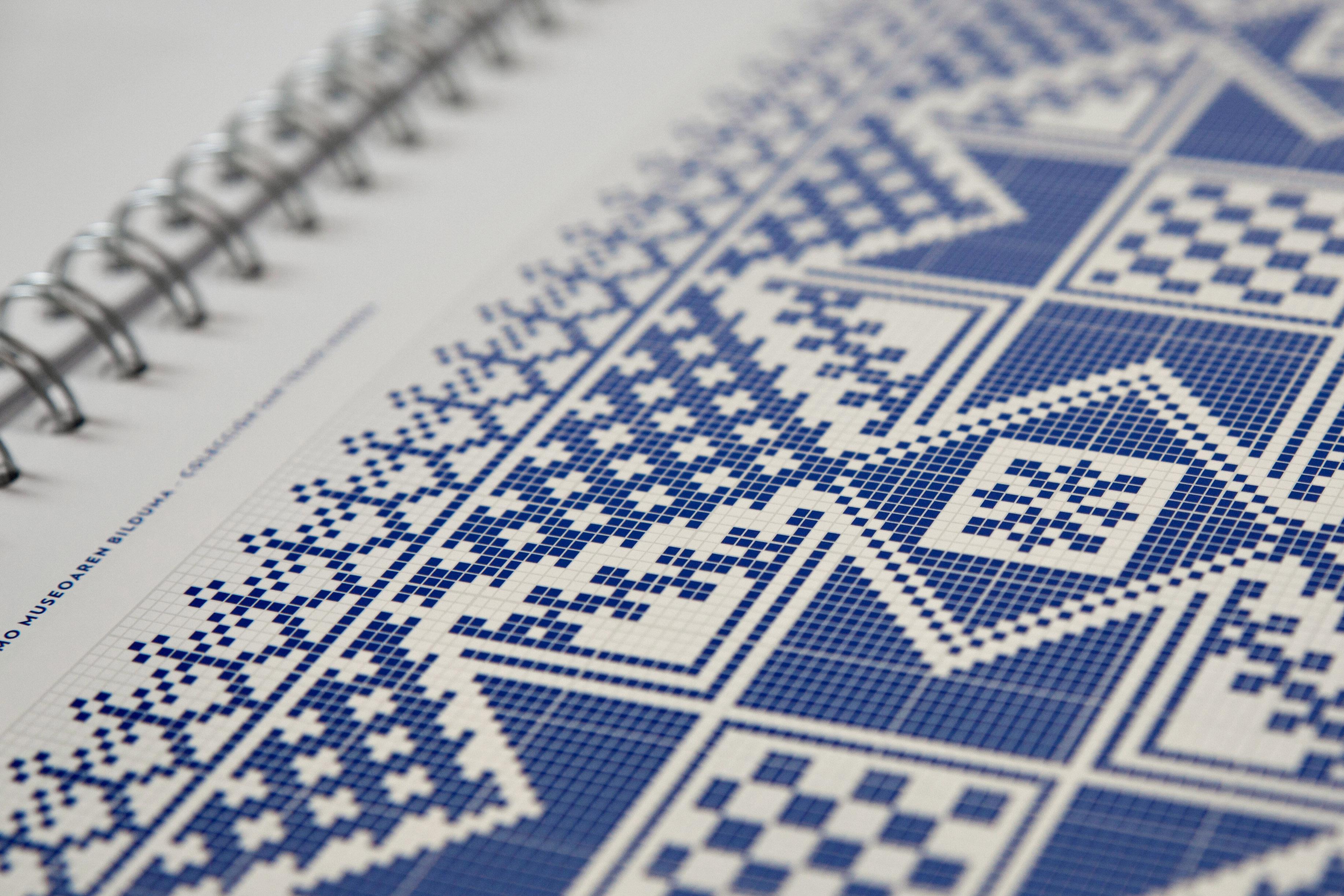 Bordados - Diseño editorial para STM by Strogoff Komunikazioa - Creative Work - $i