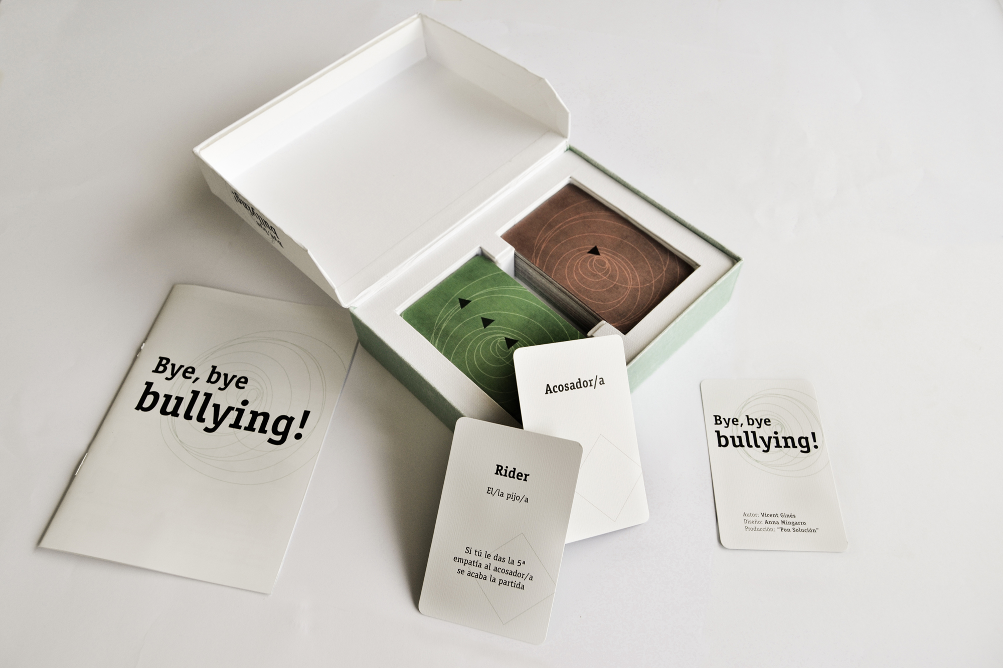 'Bye, bye bullying!' Juego de cartas by Anna Mingarro Mezquita - Creative Work - $i