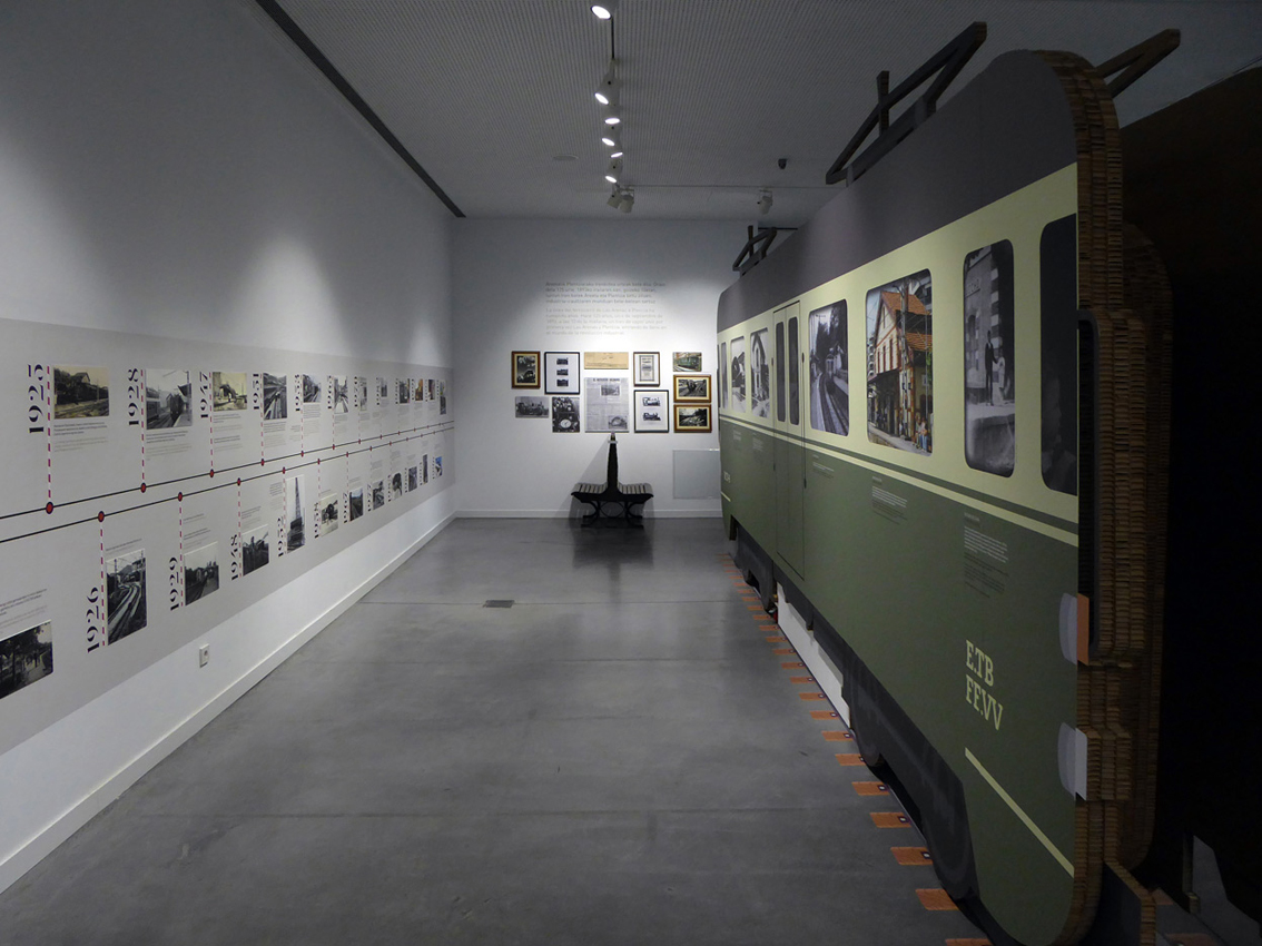 EXPOSICIÓN 125º ANIVERSARIO DEL FERROCARRIL AREETA-PLENTZIA by aktuart - Mikel Rico - Creative Work - $i