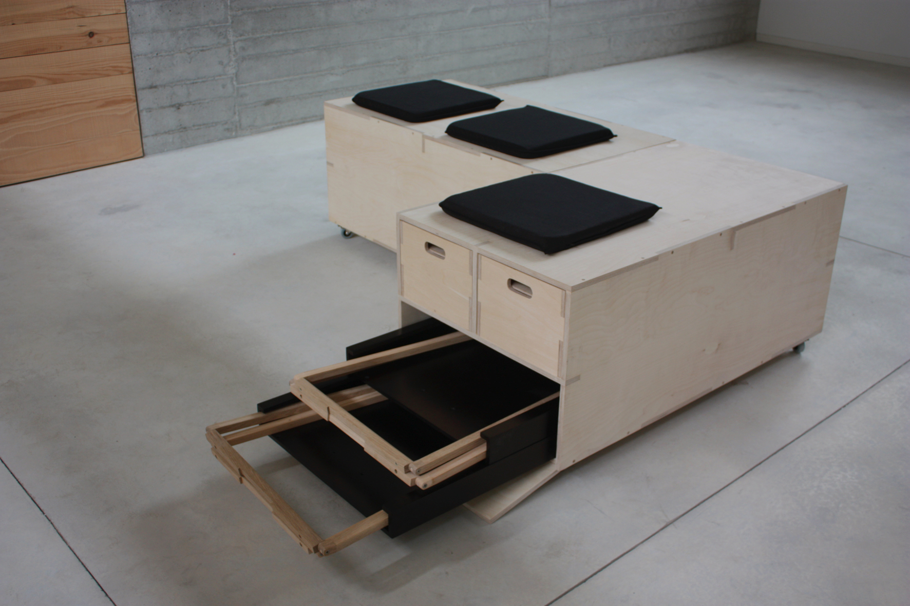 Silvereira - stand by Cenlitrosmetrocadrado - Creative Work - $i