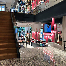 Diseño de la flagship store de Highly …