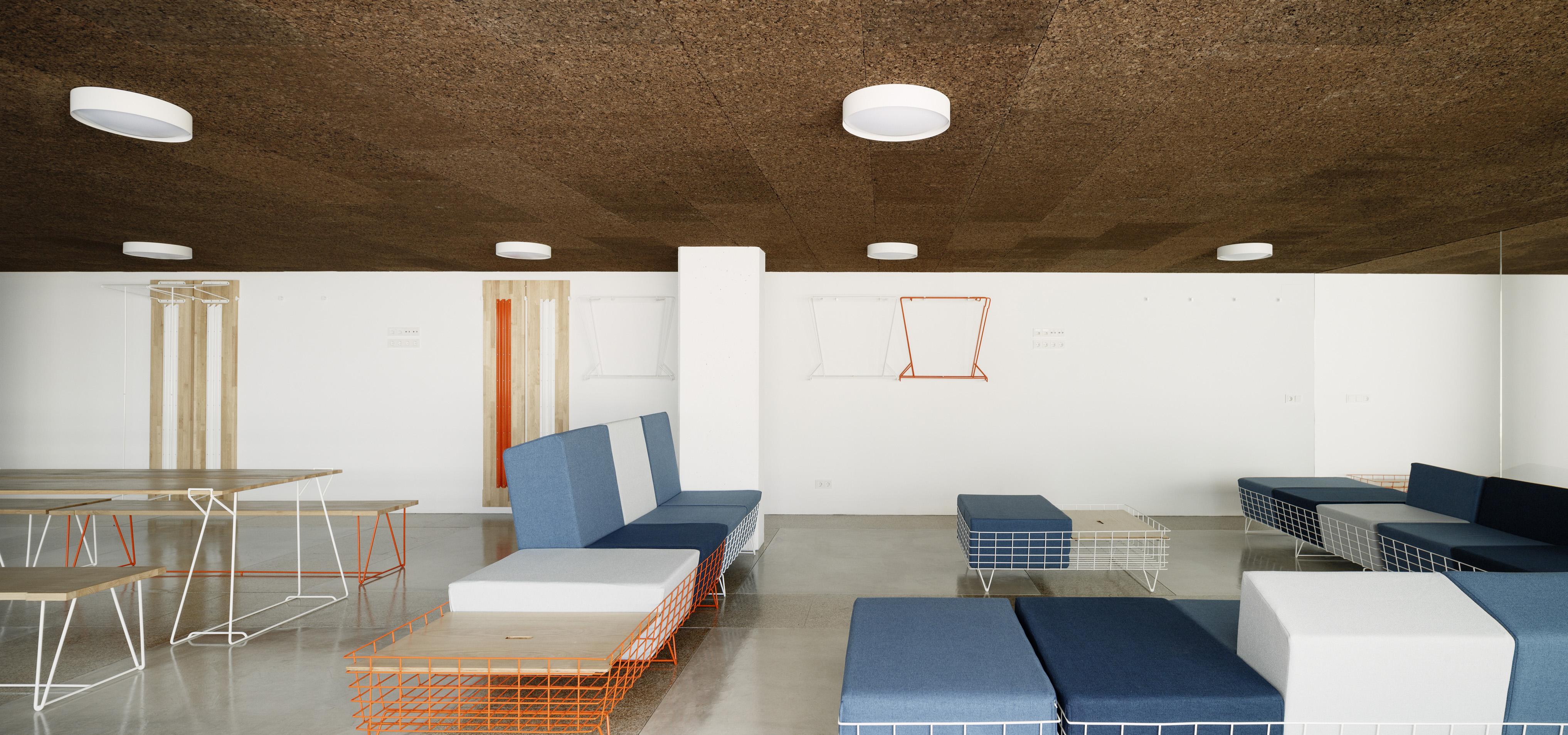 Sistema de mobiliario 13Rosas  by Cenlitrosmetrocadrado - Creative Work