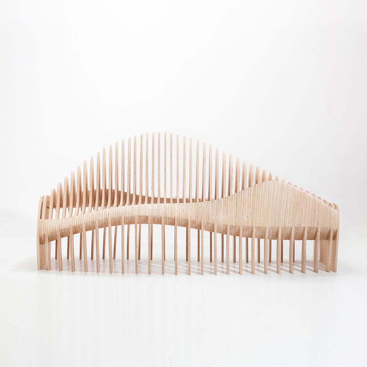 Benchsaurus by Alain Bernard y Javier Zaratiegui - Creative Work